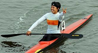 [视频]-女子单人皮艇500米决赛 湖南周玉获冠军