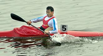 [视频]-男子单人皮艇500米决赛 江西队周鹏夺冠