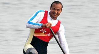 [视频]-十一运会男子单人划艇500米杨文军夺冠