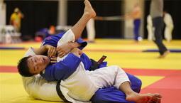 中国柔道队展开赛前训练