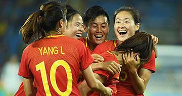 中国女足2-0战胜南非