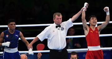 拳击男子52公斤级:胡建关晋级四强