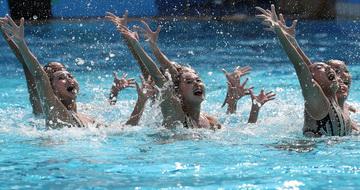 花样游泳集体技术自选赛况