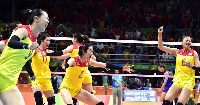 女排决赛:中国队胜塞尔维亚队夺冠