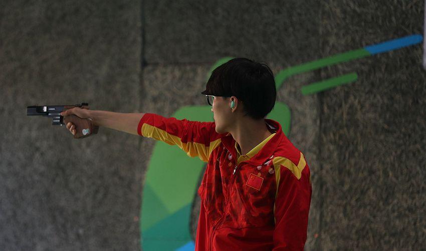 男子25米手枪速射:张富升、李越宏晋级决赛