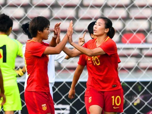杨丽帽子戏法 中国女足4:1大胜乌兹别克斯坦