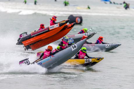 彭水力推摩托艇滑水运动 水上与旅游完美融合