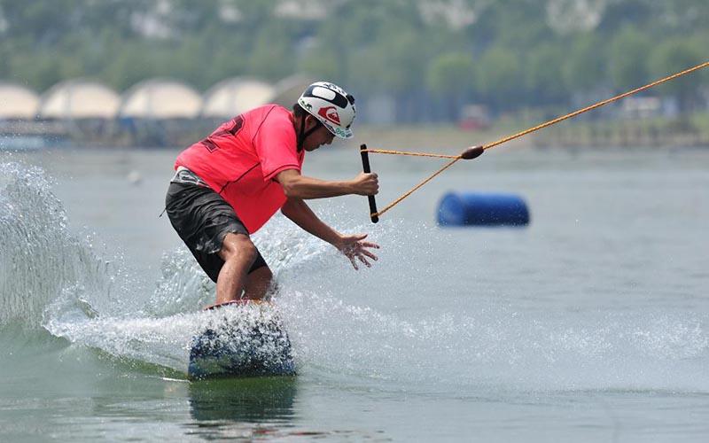 水上争冠军尾波显魅力 中国滑水巡回大奖赛落幕