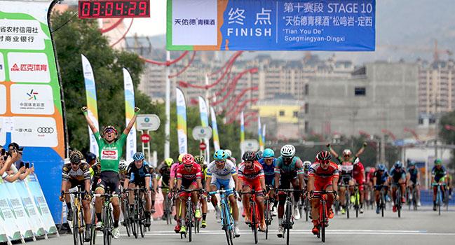 2017环青海湖国际公路自行车赛第十赛段实况