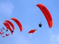 国际航联世界飞行者大会开幕 空中表演精