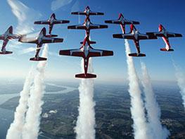 运动飞行图片