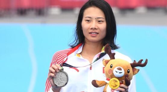 亚运会女子铁人三项 仲梦颖夺得银牌