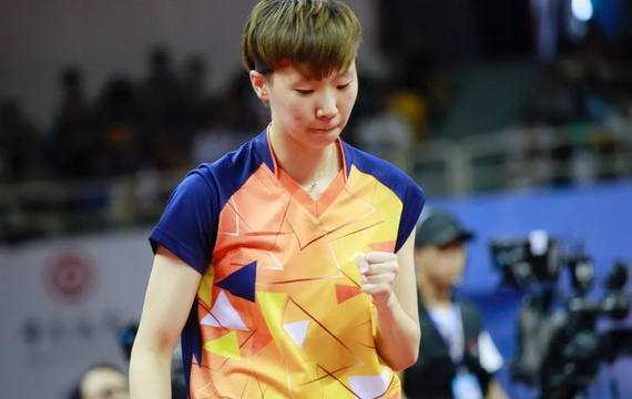 连胜朱雨玲、丁宁 王曼昱夺全锦赛女单冠军