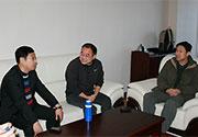 [组图]-田径协会副主席王贤俊看望国家马拉松队