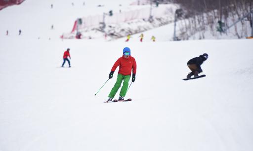 河北省多渠道多形式促群众冰雪运动蓬勃发展