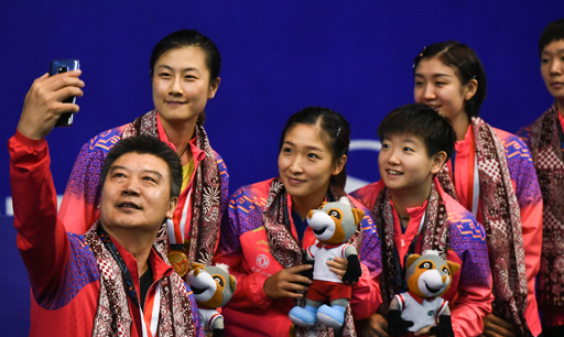 乒球亚锦赛中国包揽7金!许昕4个项目夺3金1银