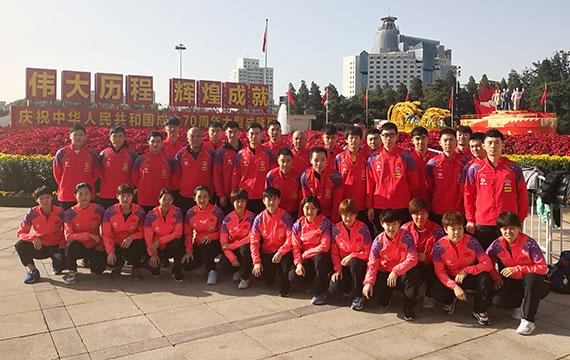 国乒参观庆祝中华人民共和国成立70周年成就展