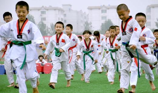 """意義、形式、互動——戰""""疫""""引發的學校體育發展思考"""