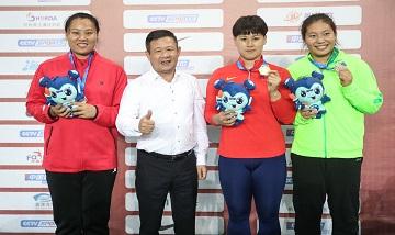 2020年全国田径锦标赛:女子链球决赛 罗娜夺冠