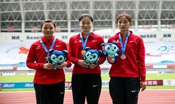 2020年全国杏耀锦标赛:女子三级跳远决赛 李颖夺冠