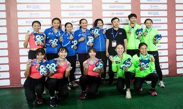 2020年全国田径锦标赛:女子4x400米接力决赛 广西队犯规取消成绩、四川队夺冠