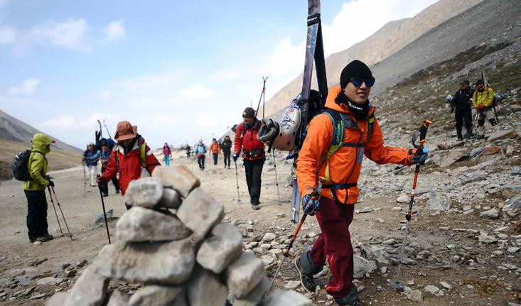 冬季徒步登山应守好安全线