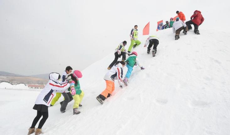 """冰雪旅游""""炫""""起来——众人谈《冰雪旅游发展行动计划(2021—2023年)》"""