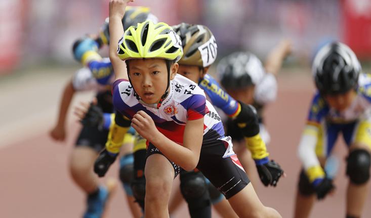 """""""双减""""政策出台 越来越多孩子和家长更加关注体育——让体育在青少年成长"""