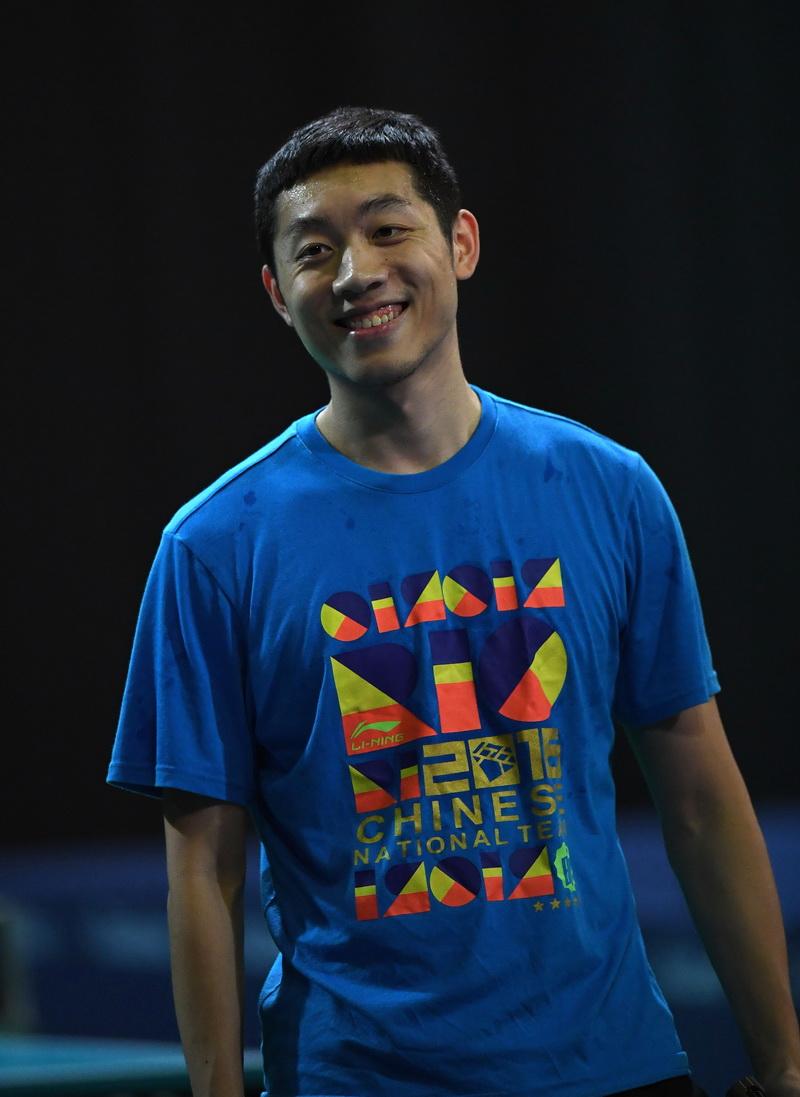 中国乒乓球队选手许昕在训练中