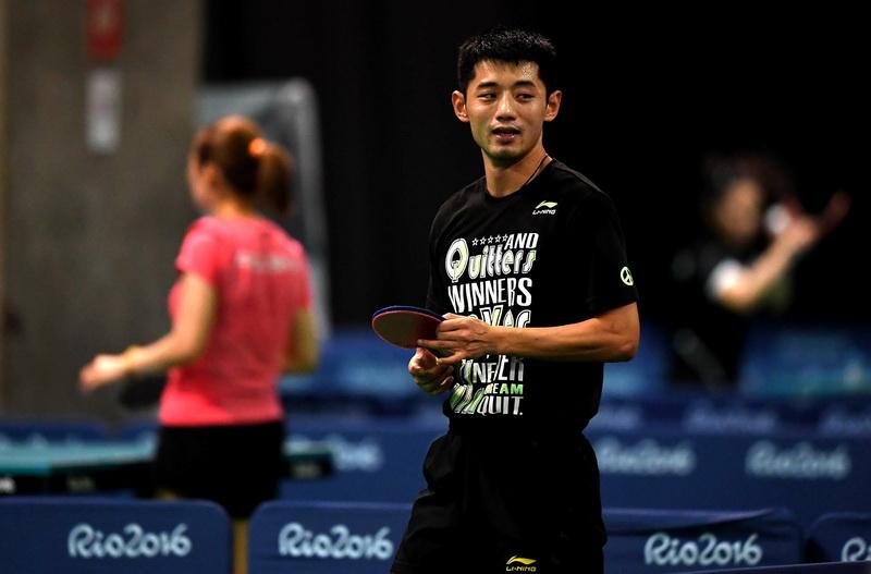 中国乒乓球队选手张继科在训练中