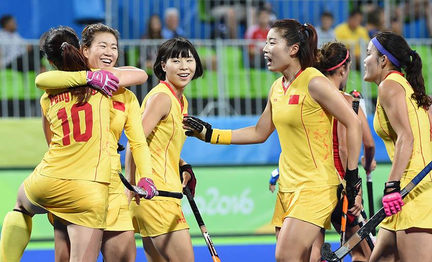 中国队球员庆祝进球