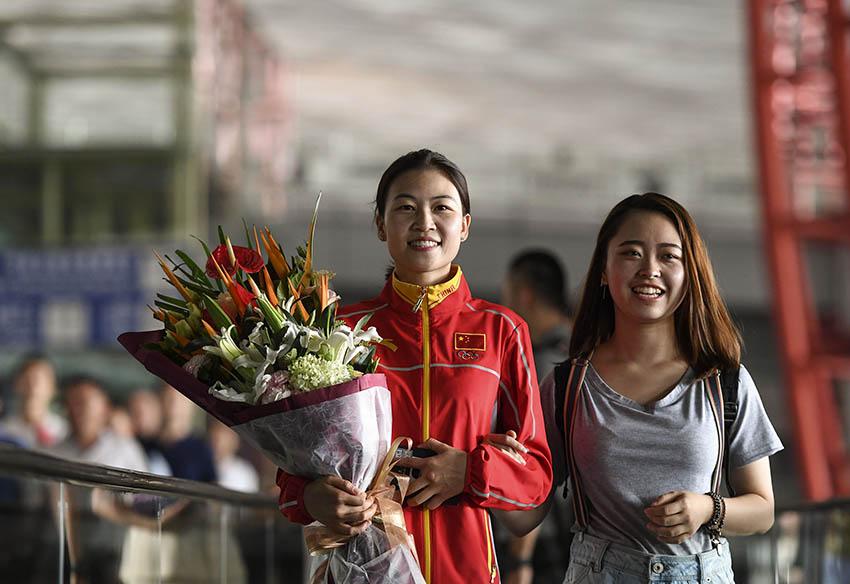 易思玲在北京首都国际机场留影