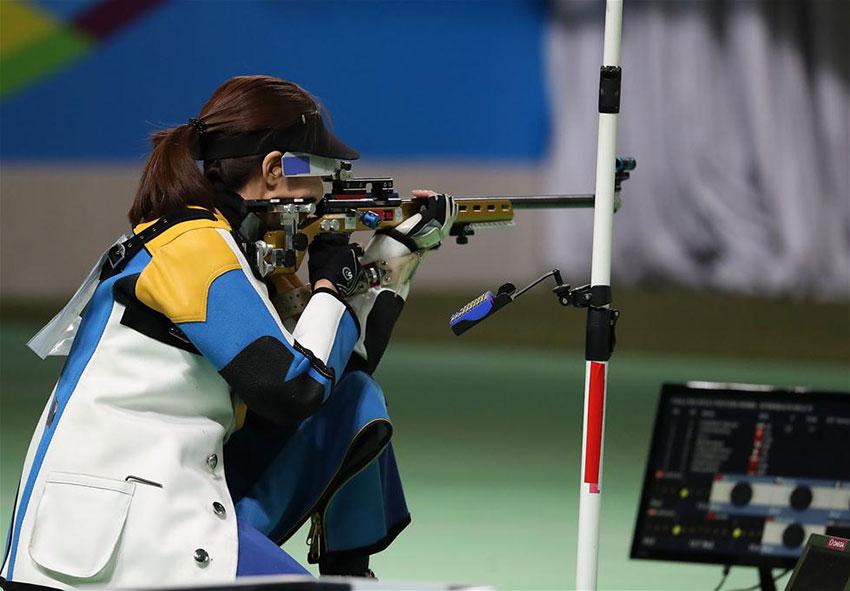 中国选手杜丽在比赛中