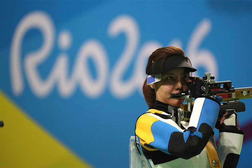 中国选手杜丽在比赛中。 新华社记者曹灿摄