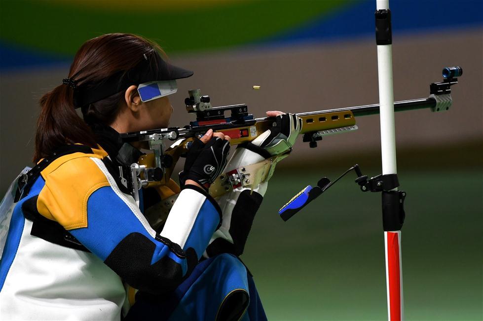中国选手杜丽在比赛中。新华社记者韩瑜庆摄