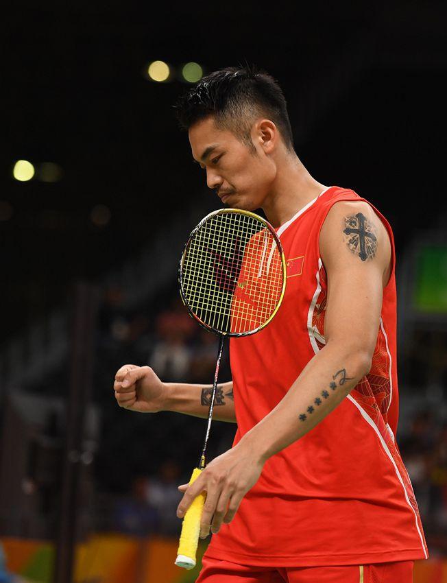 中国选手林丹在比赛中庆祝得分
