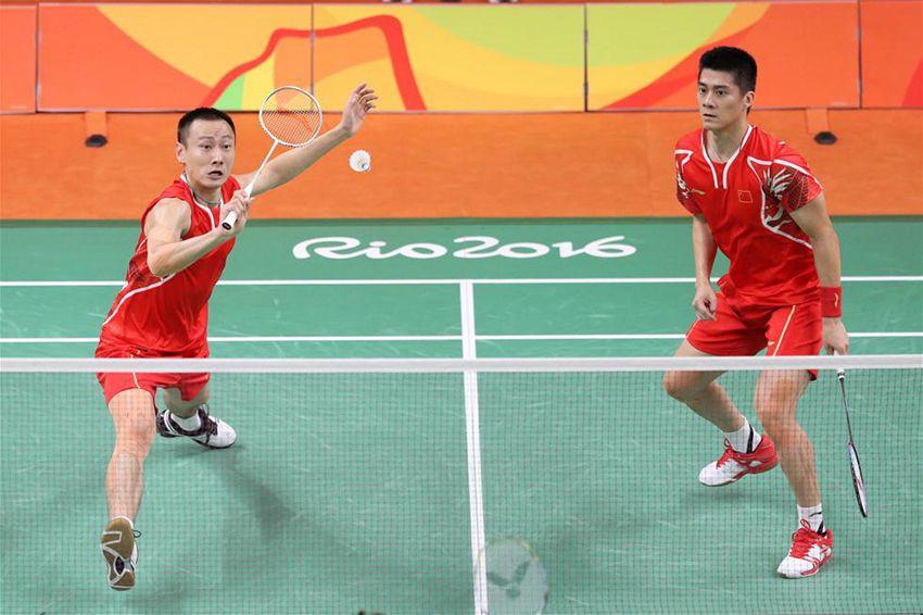 傅海峰(右)/张楠在比赛中