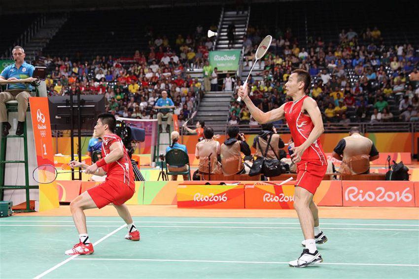 傅海峰/张楠(右)在比赛中