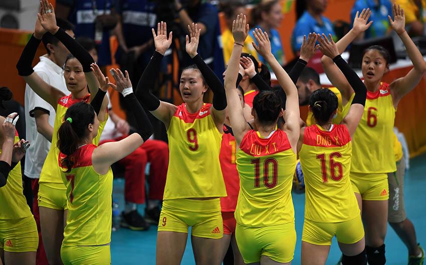 中国队球员在赛前入场