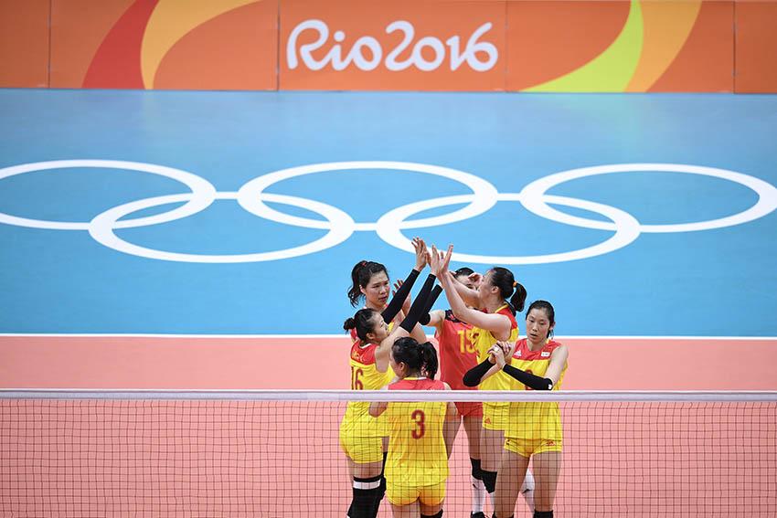 中国队球员在比赛中庆祝得分