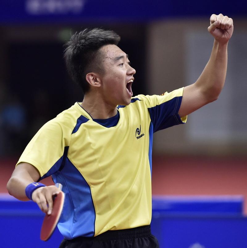 上海队选手赵子豪在比赛中庆祝得分