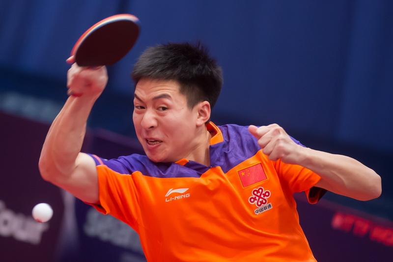 1月19日,中国选手方博在男单首轮比赛中回球。他以4比1战胜斯洛伐克选手王洋,顺利晋级