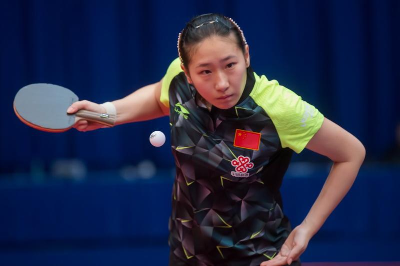 1月19日,中国选手盛丹丹在女单首轮比赛中发球。她以4比0战胜中国台北选手陈思羽,顺利晋级