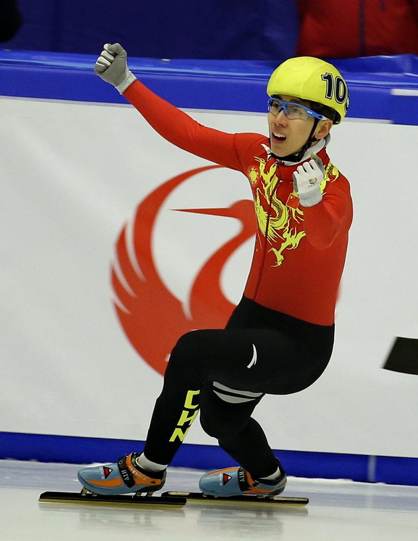中国队选手韩天宇在比赛后庆祝。