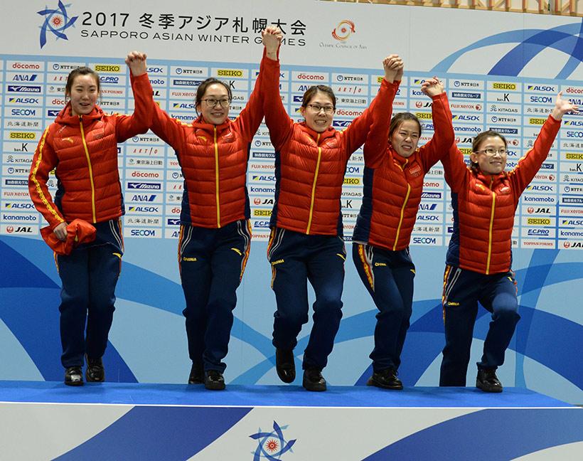 中国队队员在颁奖仪式上。