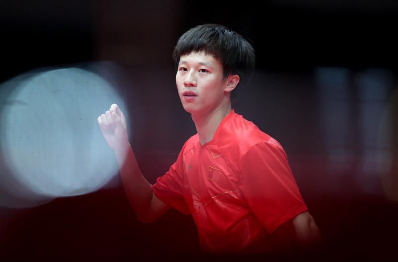 中国队球员林高远在比赛中庆祝