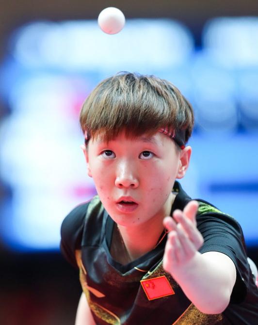 中国队选手王曼昱在比赛中