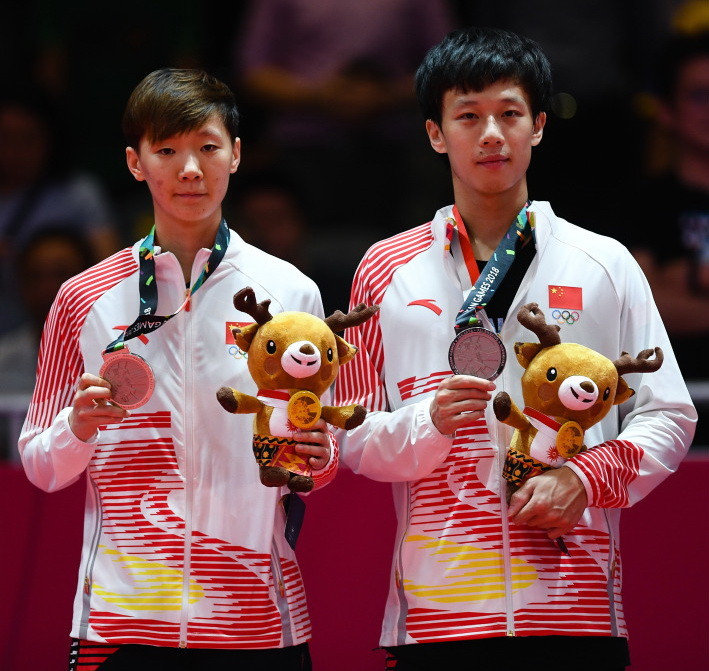 中国组合林高远(右)/王曼昱在颁奖仪式上.jpg