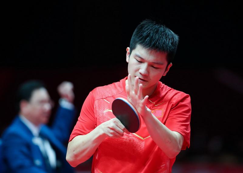 中国选手樊振东在比赛中