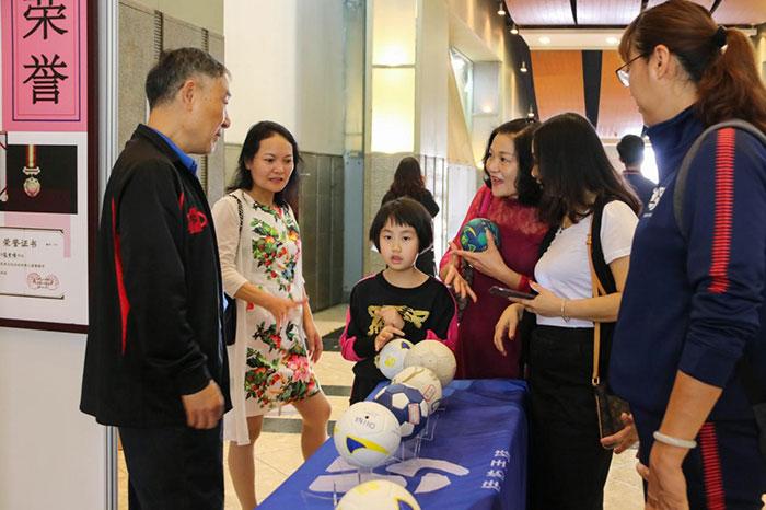 东莞市幼儿手球教学公益课活动取得圆满成功
